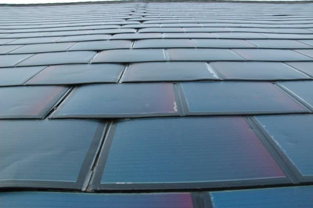 Solar Panel Roof Shingles >> Roof Solar Shingles Integrate Solar Panels For Homes Into The